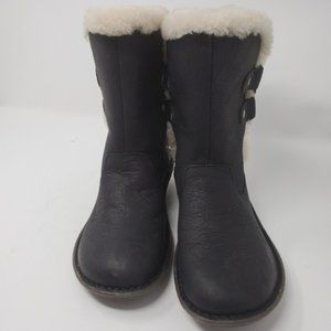 BNWOT - UGG |  Sheepskin Lined Leather Bla…